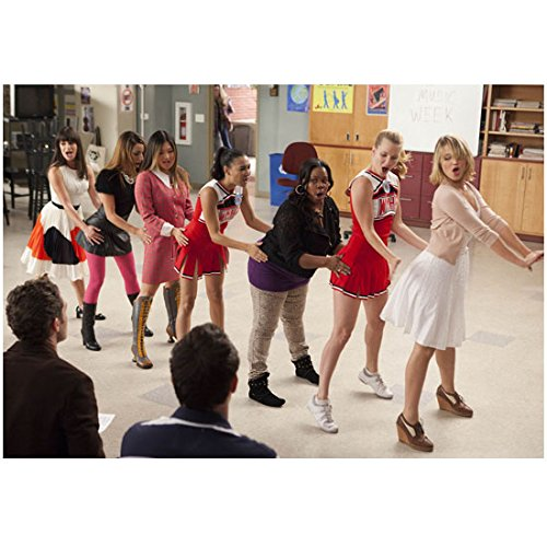 Amber Riley 8 Inch x 10 Inch PHOTOGRAPH Glee (TV Series 2009 - 2015) in Middle of All-Girl Conga Line kn (Series Congas)