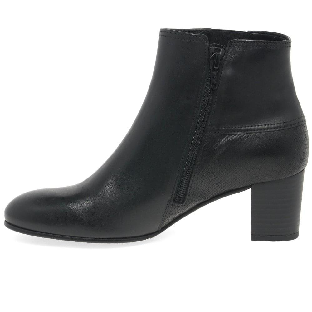 3f8b20cb272e Gabor Nuthatch Womens Modern Leather Zip Fastening Ankle Boots 9 Black  Leather Combi  Amazon.co.uk  Shoes   Bags
