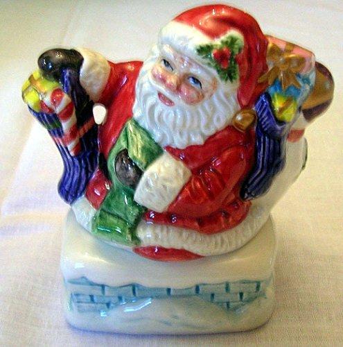 - Omnibus Toyland Santa Salt & Pepper Shakers