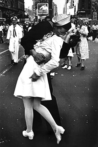 Laminated Times Square The Kiss on VJ Day Photo Art Print Sign Poster 12x18 inch