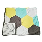 Danha Reversible Hexagon Quilt Blanket for Baby Boys or Baby Girls: The Puffy and Comfy Fabric to Comfort the Little One.