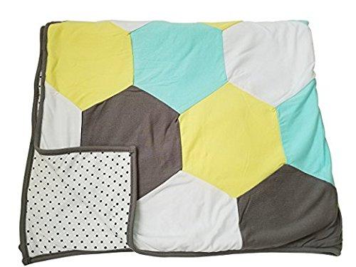 Danha Reversible Hexagon Quilt Blanket