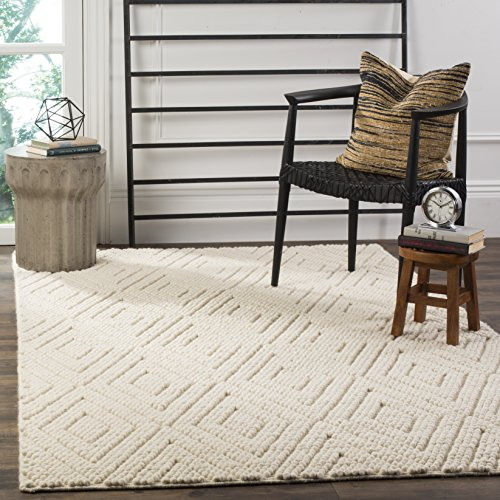 - Safavieh NAT623A-4 Natura Collection Handmade Premium Wool & Cotton Area Rug, 4' x 6', Ivory