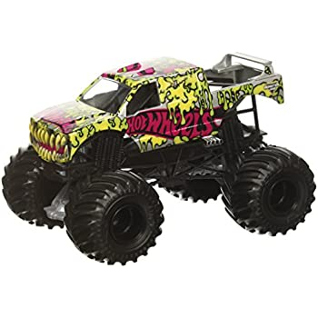 hot wheels monster jam giant grave digger truck mattel toys games. Black Bedroom Furniture Sets. Home Design Ideas