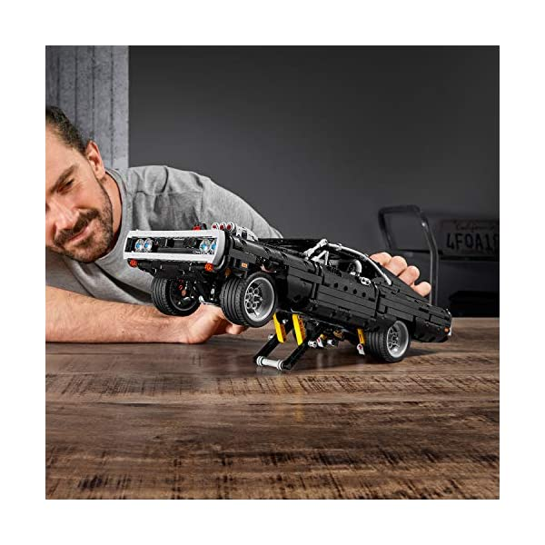 LEGO Technic Dom's Dodge Charger per Ricreare le Scene di Fast and Furious, Avventure ad Alta Velocità, Idea Regalo per… 4 spesavip