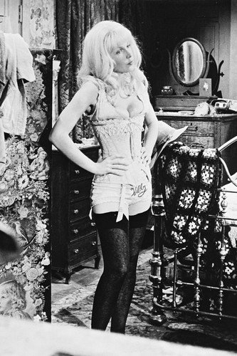 Stella Stevens in The Ballad of Cable Hogue 11x17 Mini Poster black (Cable Hogue Poster)