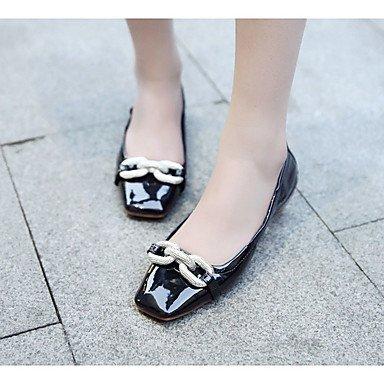 Cómodo y elegante soporte de zapatos de las mujeres pisos primavera cadena de comodidad al aire libre soporte de talón de charol negro ejército verde almendra Walking Almond