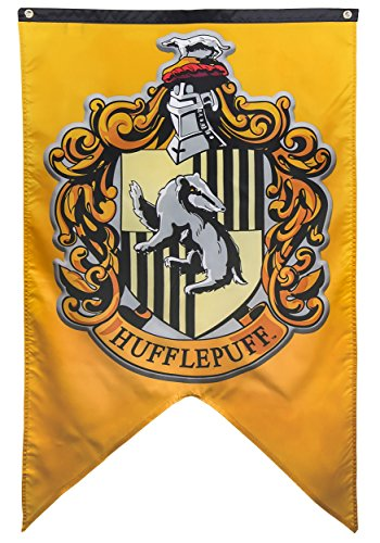harry-potter-hufflepuff-crest-banner-fabric-poster-30-x-50in