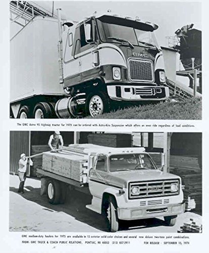 Hauler Tractor (1975 GMC Astro Hauler & Tractor Trailer Truck Photo)