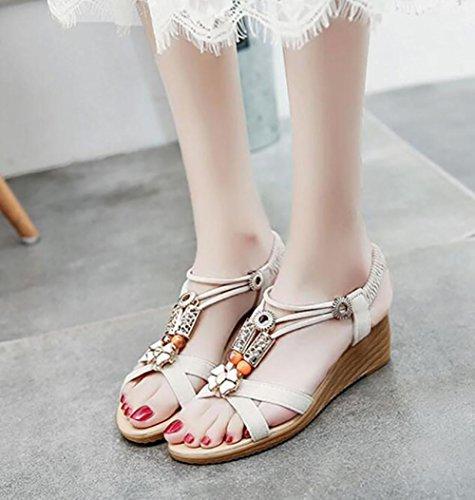 Verano 2017 nueva pendiente con sandalias abierta dedo en el piso con un conjunto de pies pies zapatos 1