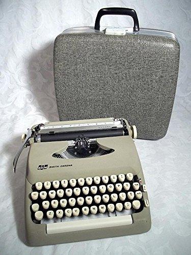vintage manual typewriter - 3