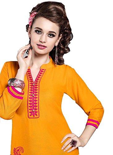 Jayayamala Jaune doux et coton très léger qui vous rend si confortable. Belle broderie avec tunique à manches 3/4.