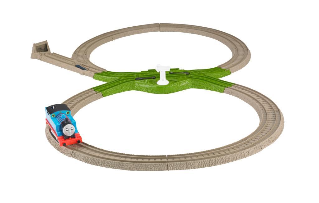 Amazon.com: Thomas the Train: TrackMaster Deluxe Starter Set: Toys