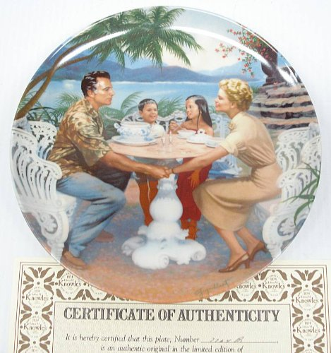 """South Pacific Collectible Plate #7764B """"Dites-Moi"""" - Edwin M Knowles China"""