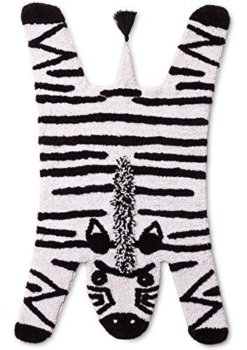 Pillowfort-Zebra-Stripe-Accent-Rug-Black-White