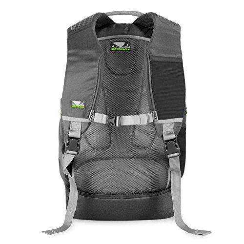 BAD BOY Stealth Combat Bag Rucksack - MMA Tasche , Kampfsport Tasche Reise Rucksack