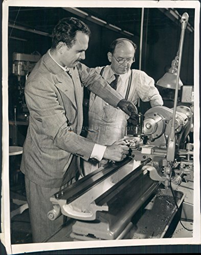 Vintage Photos 1946 Photo Irving Peltz Operates Speed Engine W L Maxson Plant New York 8X10