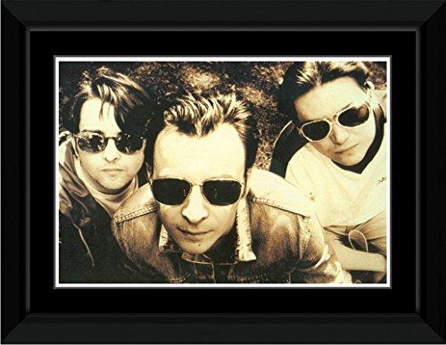 Manic Street Preachers - Sunglasses Framed Mini Poster - - Preacher Sunglasses