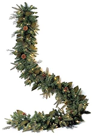 Amazon.com: GKI Bethlehem Lighting Pre-Lit 6-Foot PE/PVC Christmas ...