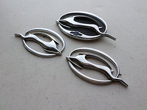 (00-05 Chevy Impala Leaping Flying Deer Right 10424490 Left 1024491 Side Logo Lid 10437467 Emblem Decal Set)