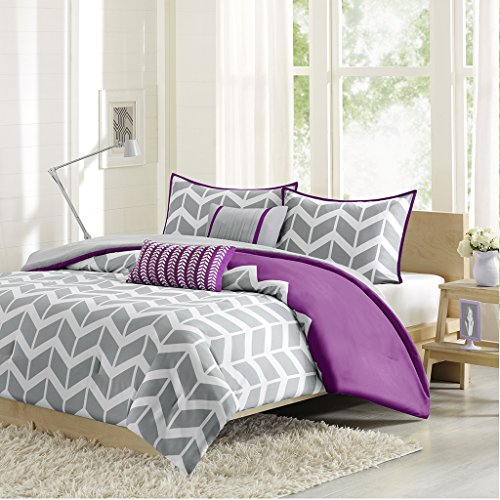 Intelligent Design Nadia Comforter Set, Full/ Queen, Purple