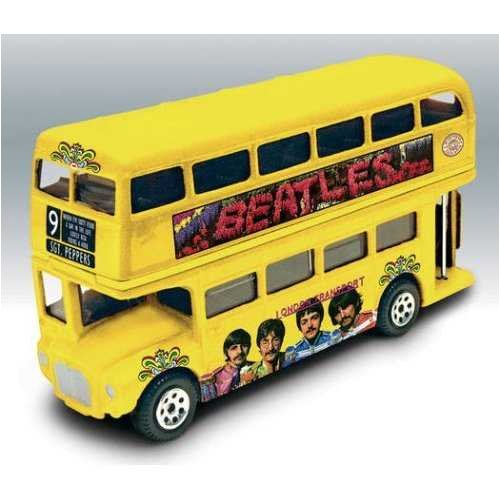 [The Beatles - Sgt. Peppers Lonely Hearts Club Band - Album Cover Die-Cast Collectable - Routemaster] (Sgt Pepper Paul Costume)