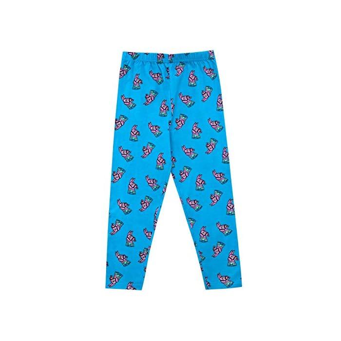"""51t9jBCb3zL Pijama para niños de Fortnite. Este épico conjunto de pijama de Battle Royale viene con un gran estampado de la llama púrpura del videojuego en el top, con el eslogan """"I'm Full Of Surprises"""". Parte superior: 93% Algodón 7% Poliéster Parte inferior: 100% Algodón"""
