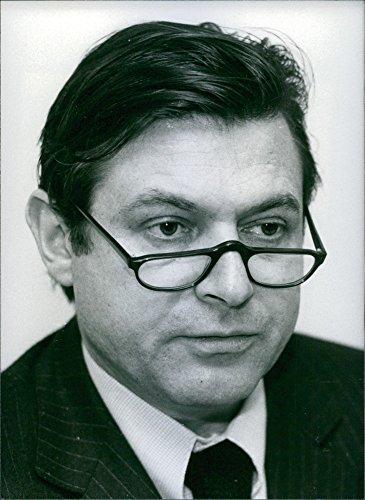 vintage-photo-of-french-banker-bernard-esambert-1981