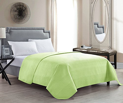 HollyHOME Solid Color Bed Quilt for Twin Size Bed Blanket, Lime Green (Lime Green Throw Bed)