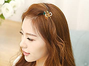 Demarkt Women Hair Clip Simple Pineapple Style Hair Pins Alloy Crystal Hair  Styling Accessories for Cute 9d4a9396bba7