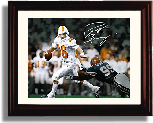 Framed Peyton Manning Autograph Replica Print - Tennessee Volunters ()