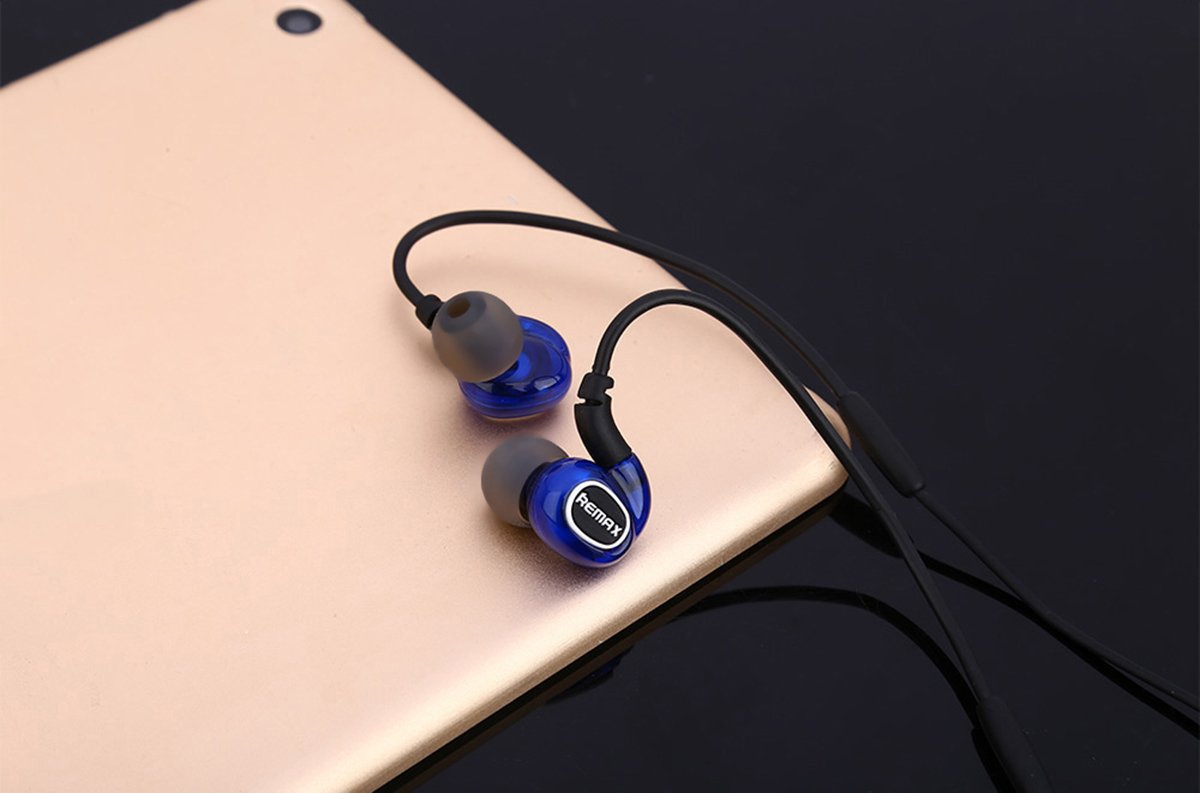 Remax Rm S1 Pro Sports In Ear Wired Earphone Portable Original Sport Music Corded Headset Hd Microphone Blue Color Cell Phones Accessories