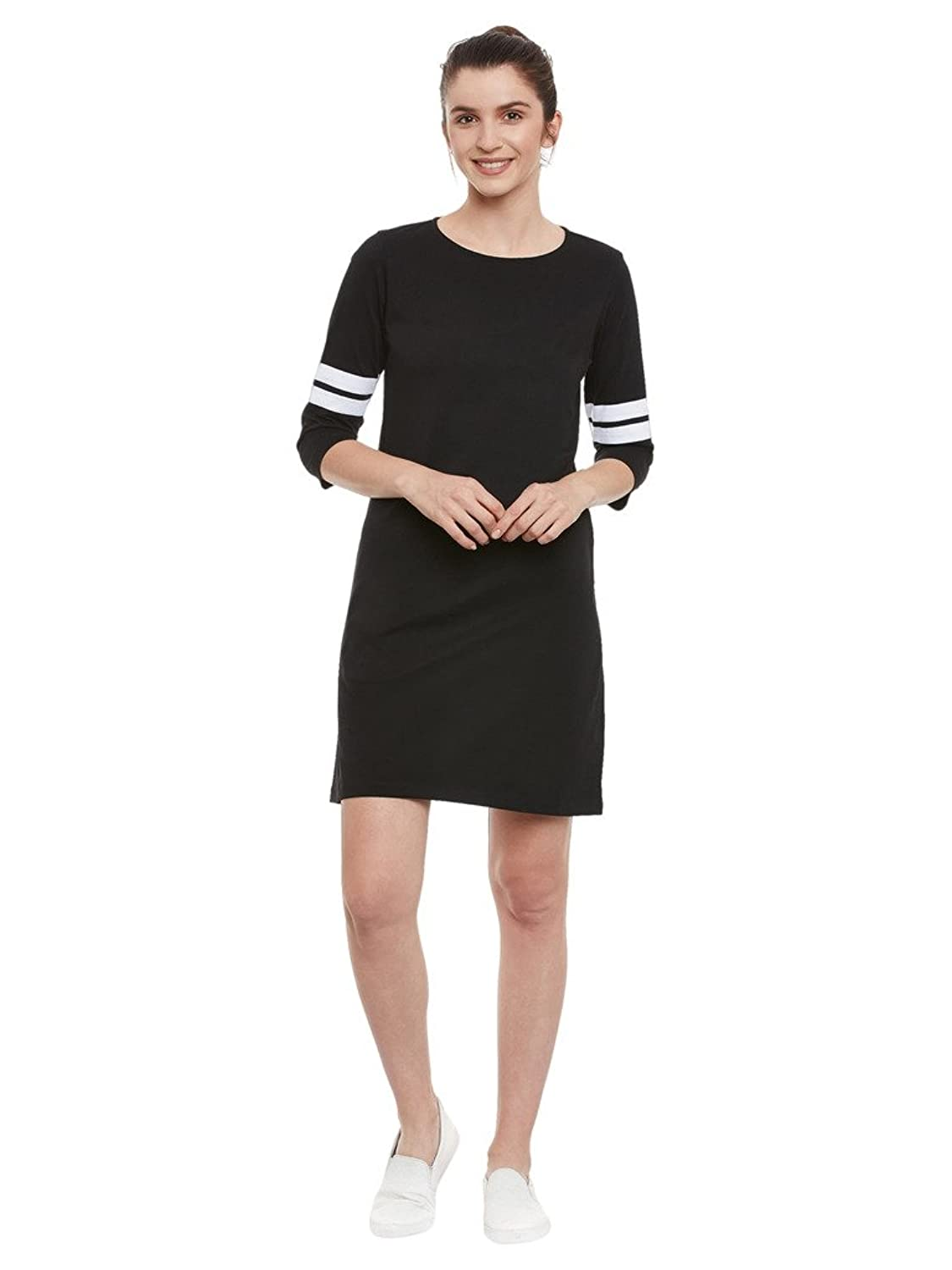 Black Plain Solid Round Neck 3/4 Sleeve Panelled Shift Dress