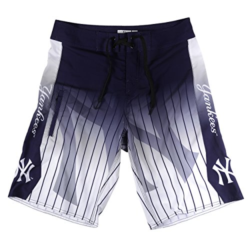 New York Yankees Gradient Board Short Medium 32 ()