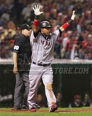 (Manny Ramirez Boston Red Sox at bat arms raised 8x10 11x14 16x20 photo 229 - Size 8x10)