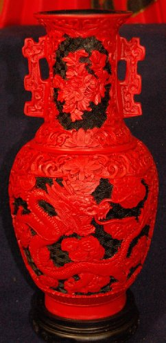 Exquisite Red and Black Cinnabar Chinese Dragon Vase with Square Handles (Standing Candle Dragon)