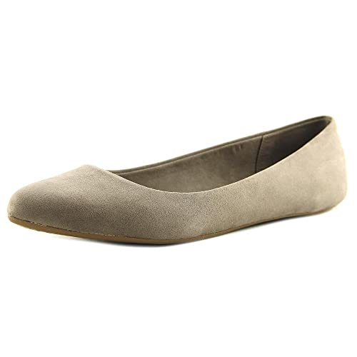 5b70de21e88a Kelly & Katie Pirassa Women US 8 Tan Flats: Amazon.ca: Shoes & Handbags