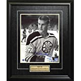 Frameworth Bobby Orr Signed 8x10 Framed Bruins B/W Posed #27 - NHL Photomints and Coins