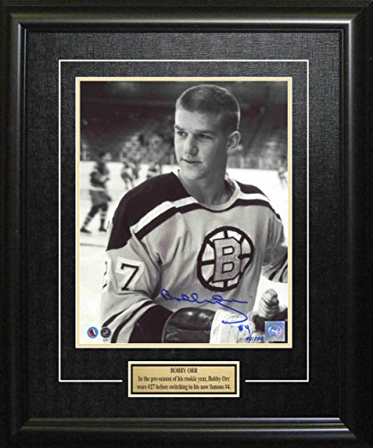 Photomint Coins Framed (Frameworth Bobby Orr Signed 8x10 Framed Bruins B/W Posed #27 - NHL Photomints and Coins)