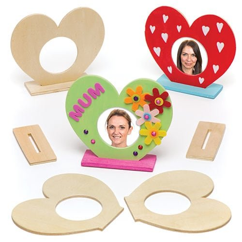 Baker Ross Heart Wooden Photo Frames for Children to Personalise and Display (Pack of 5)