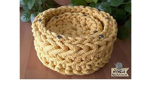 Posavasos con cesta en amarillo de ganchillo en cordón ...