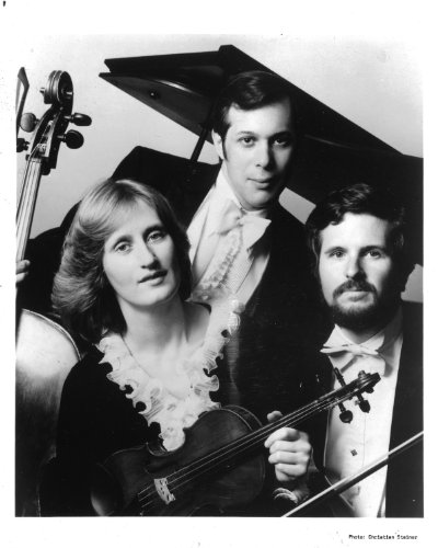 American Chamber Trio Original 8x10 Photo J5421 ()