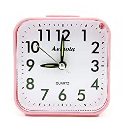 OSMOFUZE Simple Bedroom Alarm Clock, Silent Non Ticking Analog Small Lightweight Alarm Clock with Snooze and Light, Sound Crescendo, Mini Sized Travel Quartz Alarm Clock, Battery Operated (Pink)