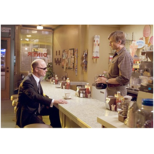 A History of Violence 8x10 Photo Ed Harris Seated at Counter Sunglasses & Viggo Mortensen Behind Counter Holding Coffee Pot - History Sunglasses
