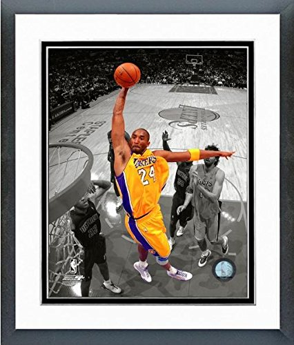 Kobe Bryant Los Angeles Lakers NBA Action Photo (Size: 12.5