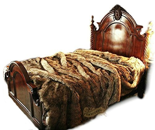 Style Ranch Bedspread (Timber Wolf Faux Fur Bedspread Coyote Timberland Collection Luxury Fur Bedding and Rugs (King 110''x120''))