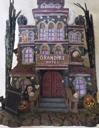 Grandpa's Touch of Transylvania Hotel the Munsters 2004 (Grandpa Munsters)