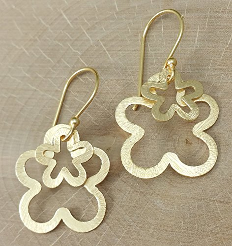 a-pair-of-modern-gold-double-flower-dangle-earrings-in-a-brushed-finish
