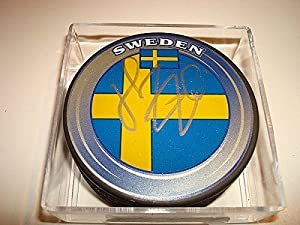 Henrik Zetterberg Signed Team Sweden Hockey Puck Autographed Go Red Wings - Authentic Autograph