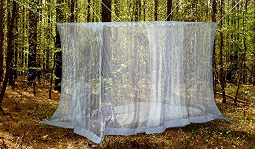 #1 Das Beste Moskitonetz für Draußen von NATURO - Das größte Doppelbett Moskitonetz Baldachin - Insekten Malaria Schutz - Gratis Boni: 2 Insektenschutz Armbänder, ein Aufhängekit & Tragetasche